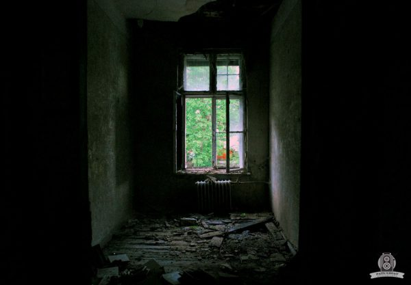 Window to – URBEX © Paul LECAT Photography